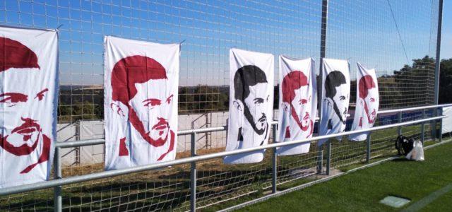 Hoy tenemos como invitados especiales a Pizo y Guille, los artífices de las increíbles pancartas con las caras de los jugadores. En el programa nos cuentan cómo y por qué […]